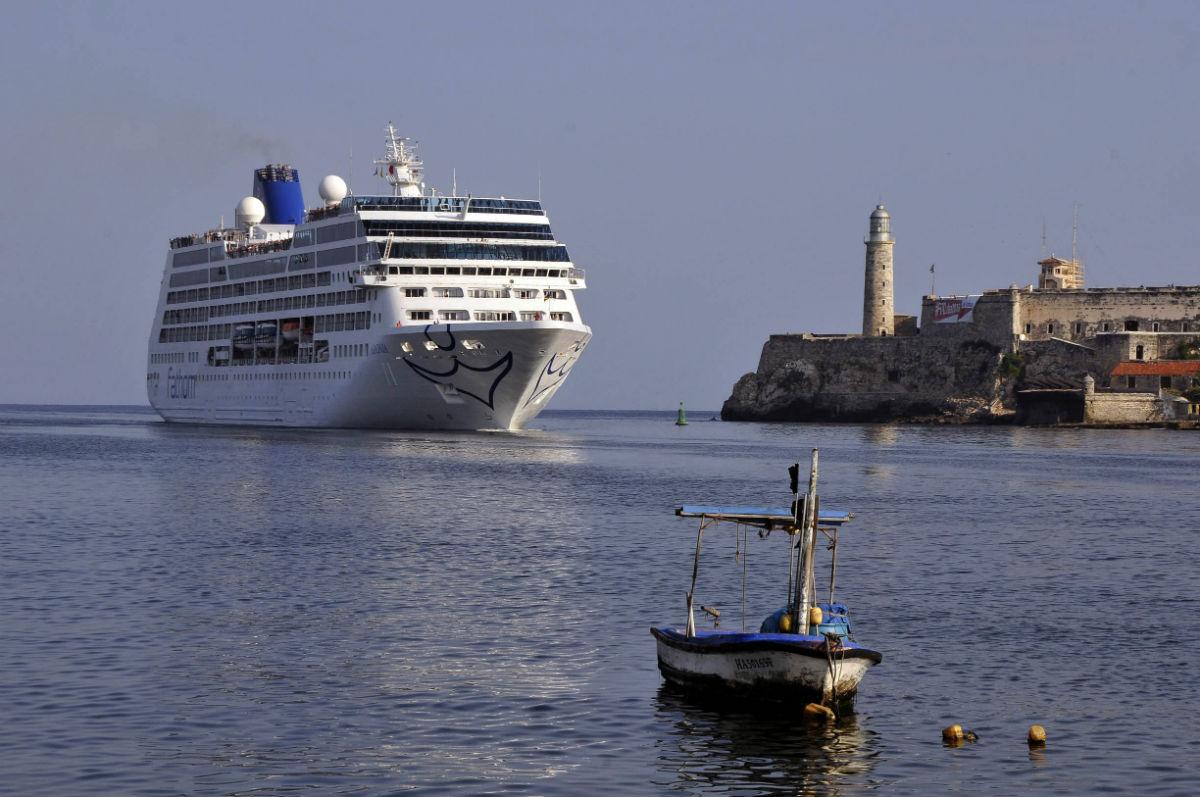 Llega a Cuba primer crucero de EU en más de medio siglo