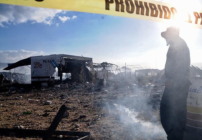 Ya son 29 los muertos por explosión en Tultepec