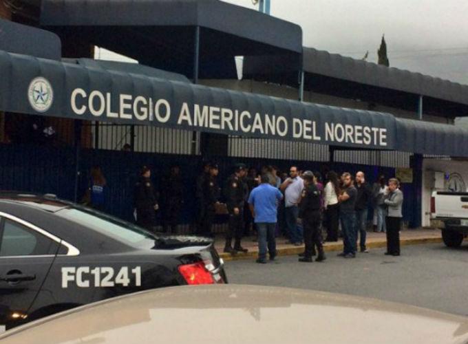 Niño ataca con pistola a compañeros y maestra en Monterrey